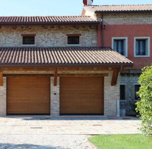 Abete 2.0 sezionali basculanti garage Ballan